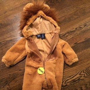 Infant lion costume